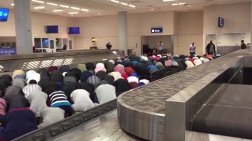 Muslims Praying At Airport In Dallas During Protest: What's Missing?