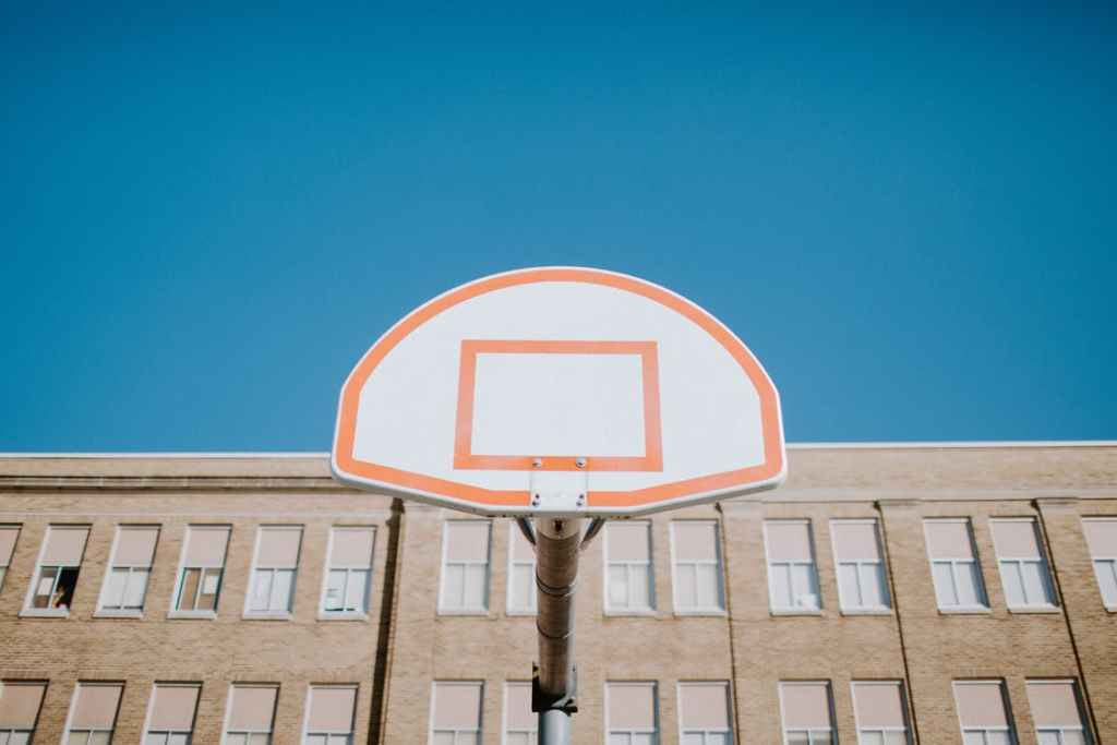 how to make a backboard for basketball