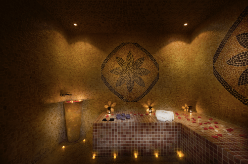 tips and toes oud hammam
