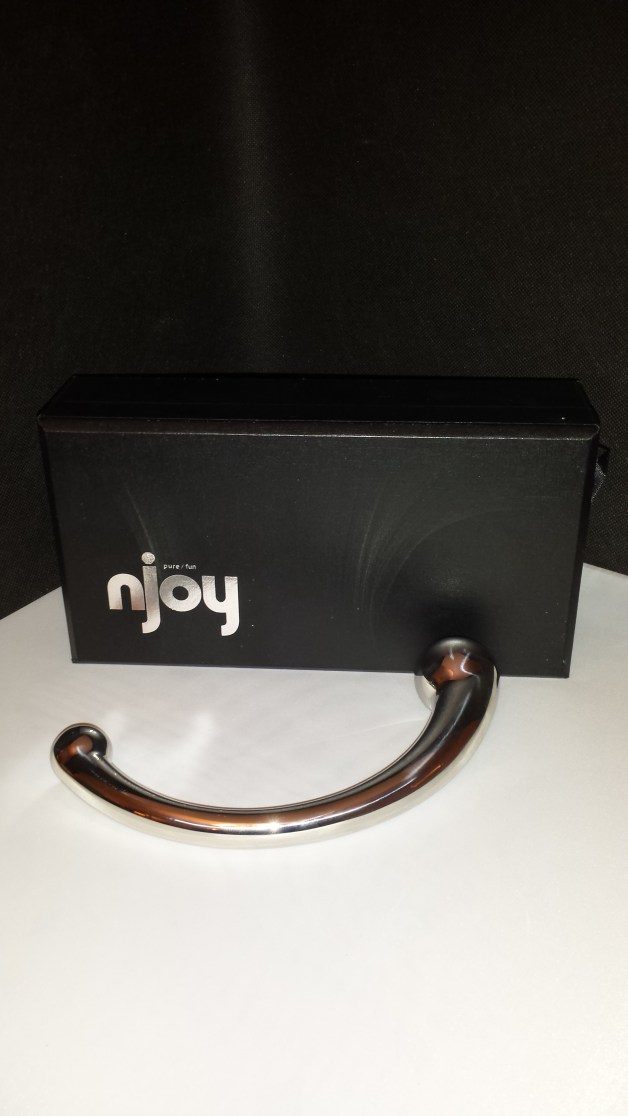 njoy Pure Wand with packaging