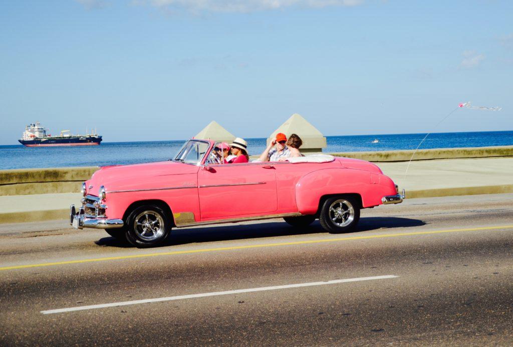 Vieilles voitures américaines à Cuba