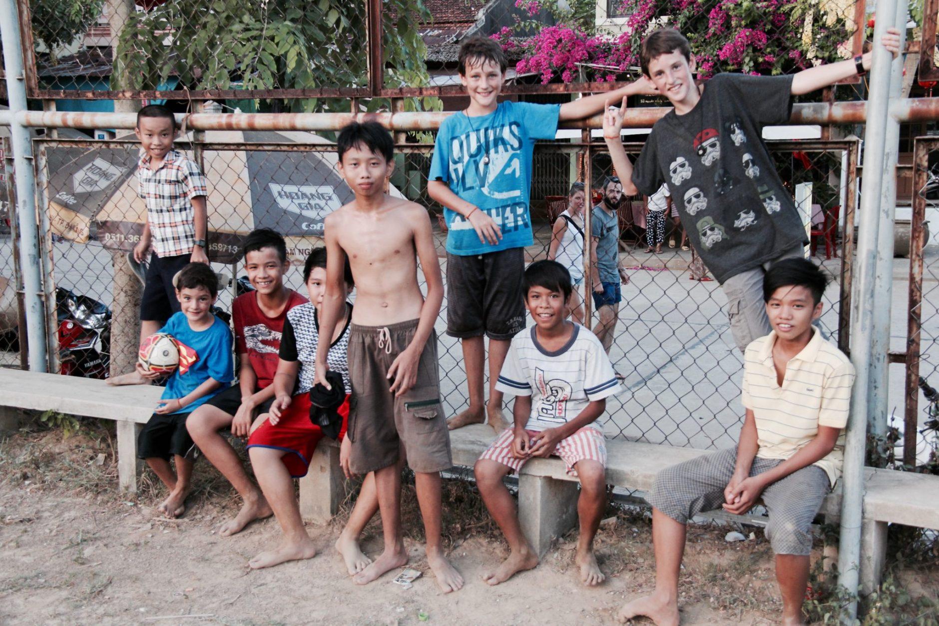 Enfants en voyage Clan V