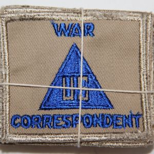 G013. UNISSUED WWII BUNDLE OF 20 WAR CORRESPONDENT PATCHES, 1945 DATED