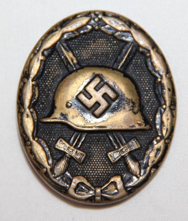 Q008. WWII GERMAN BLACK WOUND BADGE