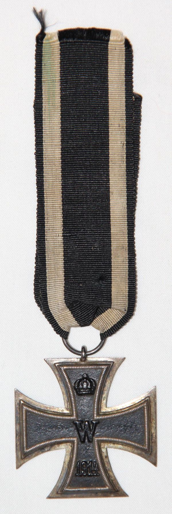 B006. WWI GERMAN 2ND CLASS IRON CROSS W/ RIBBON