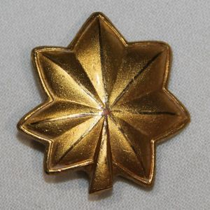 H008. WWII USN LIEUTENANT COMMANDER INSIGNIA, SNOWFLAKE BACK, ACID TEST