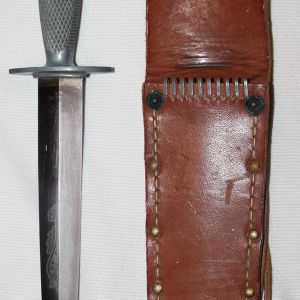 F. WWII U.S. EDGED WEAPONS, FIGHTING KNIVES, KNUCKLE KNIVES, POCKET KNIVES, BAYONETS, SWORDS