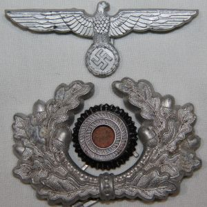 P007. WWII GERMAN ARMY EM/NCO VISOR CAP EAGLE, WREATH & COCKADE