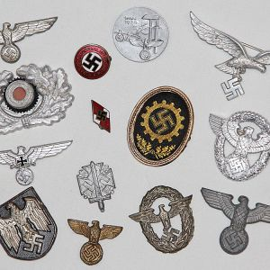 P. WWII GERMAN & JAPANESE METAL INSIGNIA, TINNIES, PINS, CAP BADGES