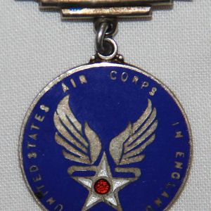 I060. WWII ENGLISH MADE USAAF IN ENGLAND SWEETHEART PIN