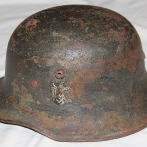 L009. WWII GERMAN SINGLE DECAL ARMY TRANSITIONAL M18 HELMET