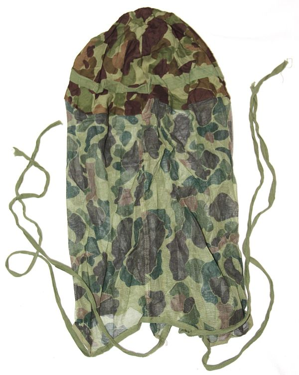 C011. WWII CAMOUFLAGE HELMET COVER W/ MOSQUITO NET & TIE STRINGS