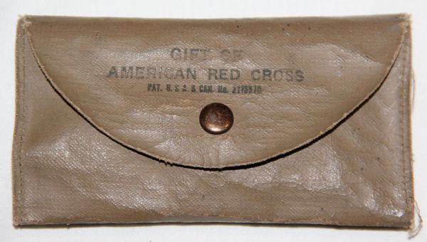 E036. WWII AMERICAN RED CROSS SEWING KIT GIVEN TO SOLDIERS