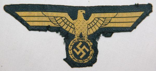O.046. WWII KRIEGSMARINE COAST ARTILLERY EM/NCO UNIFORM BREAST EAGLE