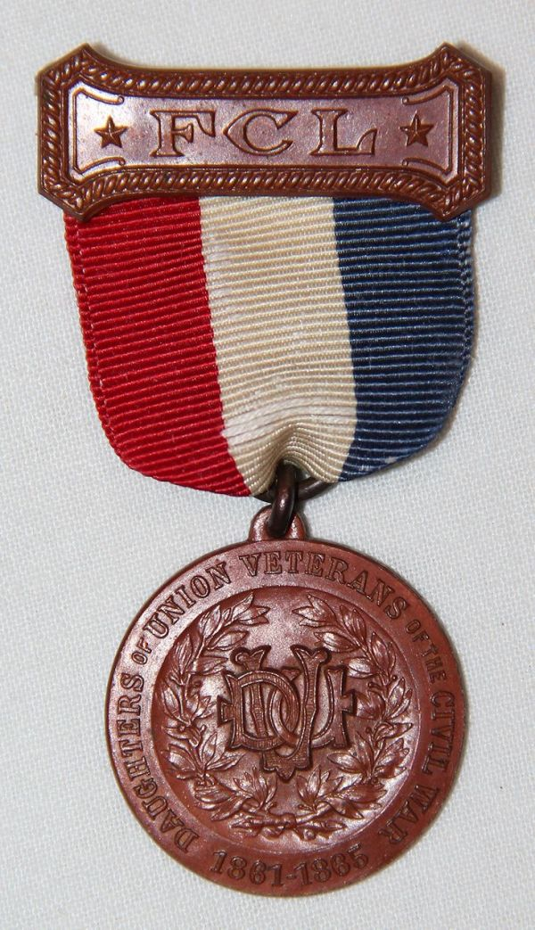 A014. DAUGHTERS OF UNION VETERANS OF THE CIVIL WAR MEMBERSHIP BADGE