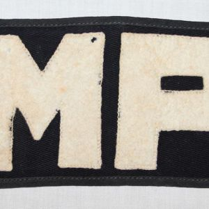 G056. WWII MILITARY POLICE M.P. ARMBAND