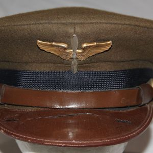 C022. NAMED WWII AAF CADET VISOR CAP WITH WING AND PROP INSIGNIA