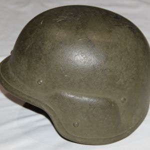 U007. EARLY PASGT HELMET, 1983 CONTRACT, SIZE M-2