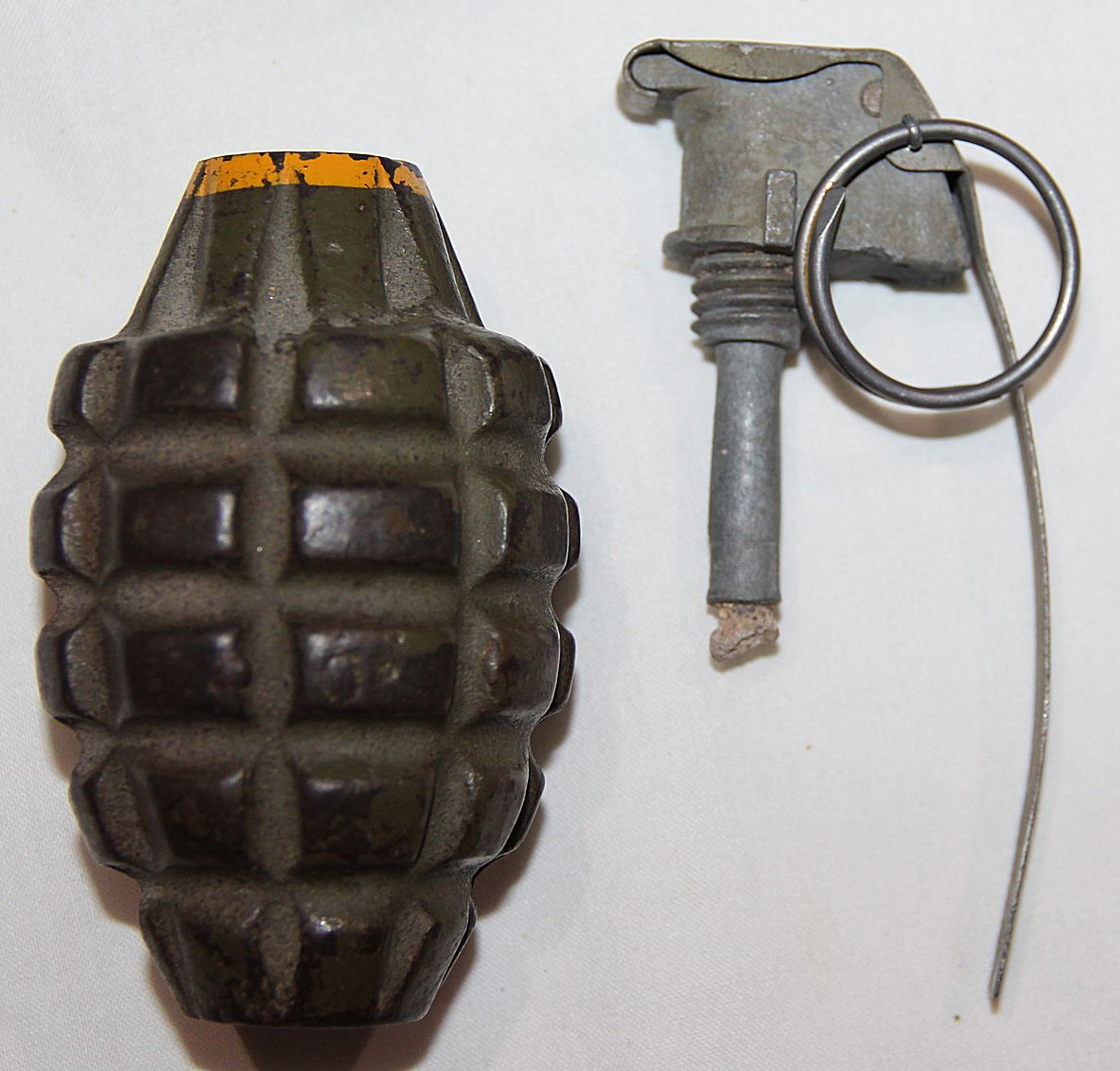 E070  INERT WWII MKII HE HAND GRENADE WITH M10A3 FUSE AND SPOON