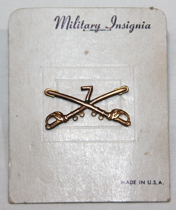 S033. KOREAN WAR ERA 7TH CAVALRY OFFICERS COLLAR INSIGNIA