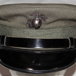 S039. NICE, NAMED KOREAN WAR USMC OFFICER'S VISOR CAP WITH EG&A