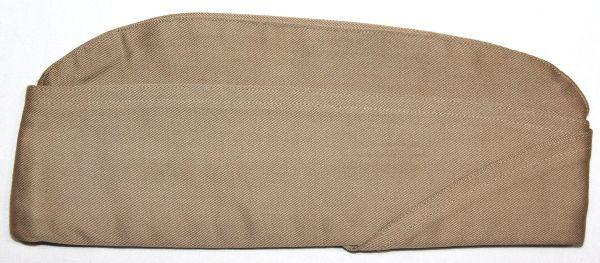 C040. NEAR MINT WWII OVERSEAS GARRISON CAP