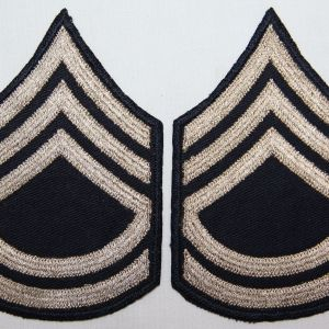 G082. WWII EMBROIDERED ON TWILL TECHNICAL SERGEANT CHEVRONS