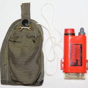 T099. NICE VIETNAM SURVIVAL SDU-5/E DISTRESS MARKER LIGHT WITH POUCH