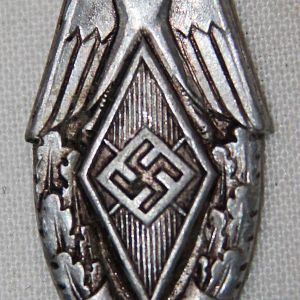 P056. 1937 HITLER YOUTH FESTIVAL SPORTS EVENT BADGE