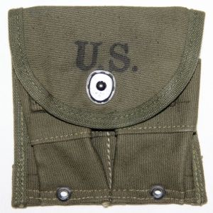 S053. KOREAN WAR 1952 DATED CARBINE AMMO CLIP POUCH