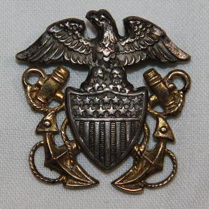 H056. WWII U.S. NAVY OFFICERS GARRISON CAP BADGE BY N.S. MEYER