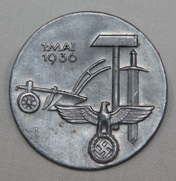 P066. WWII GERMAN 1936 NATIONAL LABOR DAY TINNIE