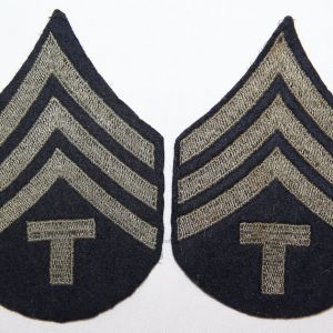 G124. WWII TECHNICIAN 4TH GRADE TECH SERGEANT CHEVRONS