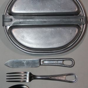E152. WWII MESS KIT WITH KNIFE FORK AND SPOON