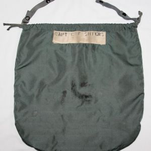 T127. EARLY VIETNAM 1965 DATED PILOTS FLIGHT HELMET BAG
