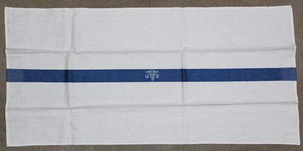 E170. MINT WWII - KOREA U.S. ARMY MEDICAL HAND TOWEL
