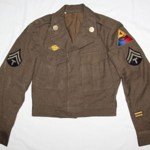 D060. WWII 4TH ARMORED DIVISION IKE JACKET