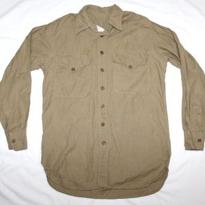 D065. WWII USMC KHAKI SHIRT