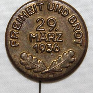 P073. GERMAN MARCH 29 1936 FREEDOM AND BREAD ELECTION LAPEL PIN