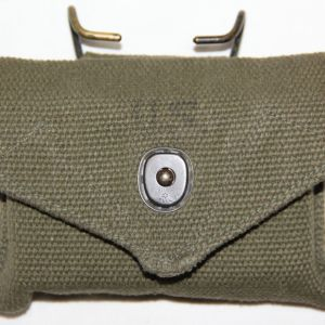S081. KOREAN WAR BANDAGE POUCH WITH UNOPENED BANDAGE