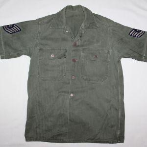 S083. KOREAN WAR USAF HBT FIELD SHIRT WITH 13 STAR METAL BUTTONS