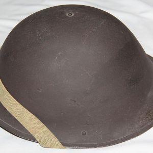 S085. NICE POST WWII BRITISH MKIV COMBAT HELMET