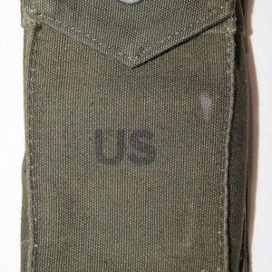 T197. VIETNAM M14 RIFLE MAGAZINE CLIP POUCH