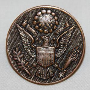 B198. WWI US ARMY EM VISOR CAP INSIGNIA