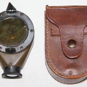 B240. WWI MARK VII MODEL E MARCHING COMPASS WITH BELT CASE