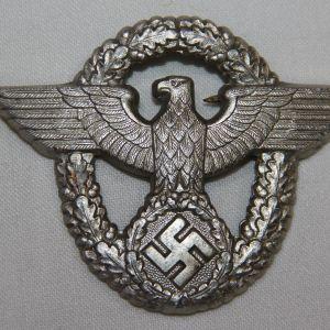 P105. WWII GERMAN POLICE VISOR CAP EAGLE