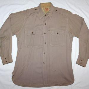 D101. WWII OFFICERS KHAKI SHIRT