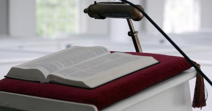 Desde el Púlpito - Predicadores variados