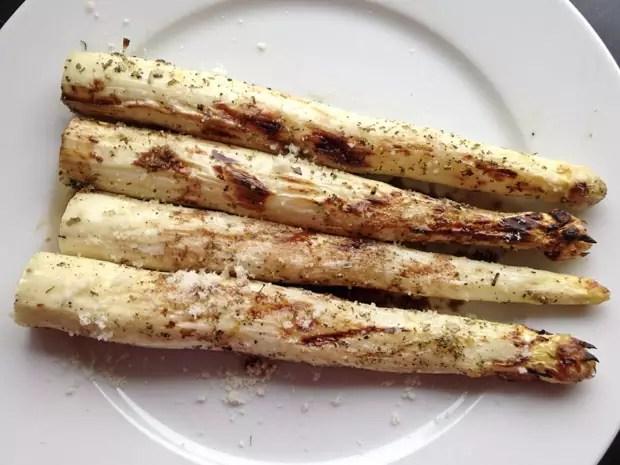 Gegrilde-asperges-met-balsamicoazijn-en-grana
