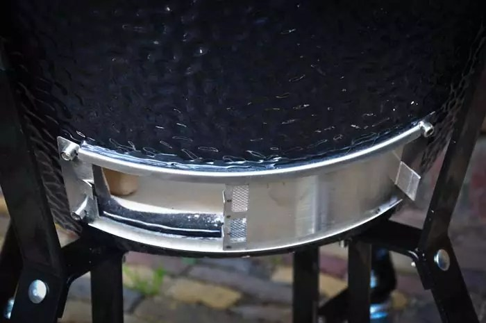 onderste-ventilatiegat-kamado
